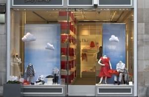 7fc23117121 Visualize  Como decorar a vitrine de sua loja
