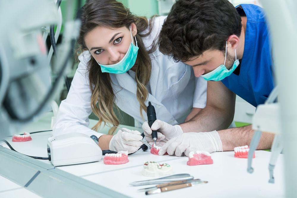 Como Montar um Laboratório de Prótese Dentária