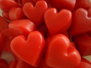 Sabonete de ervas em formato de coração