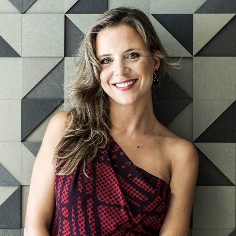 Laura Ahrons