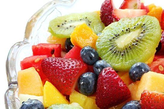 Como Fazer Salada de Frutas: 3 Receitas e Modos de Preparo